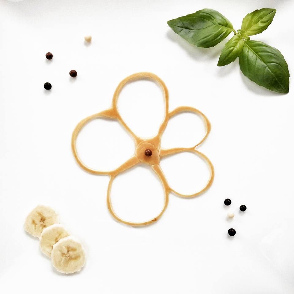 Ozdoby z ciasta nalesnikowego Kwiatek