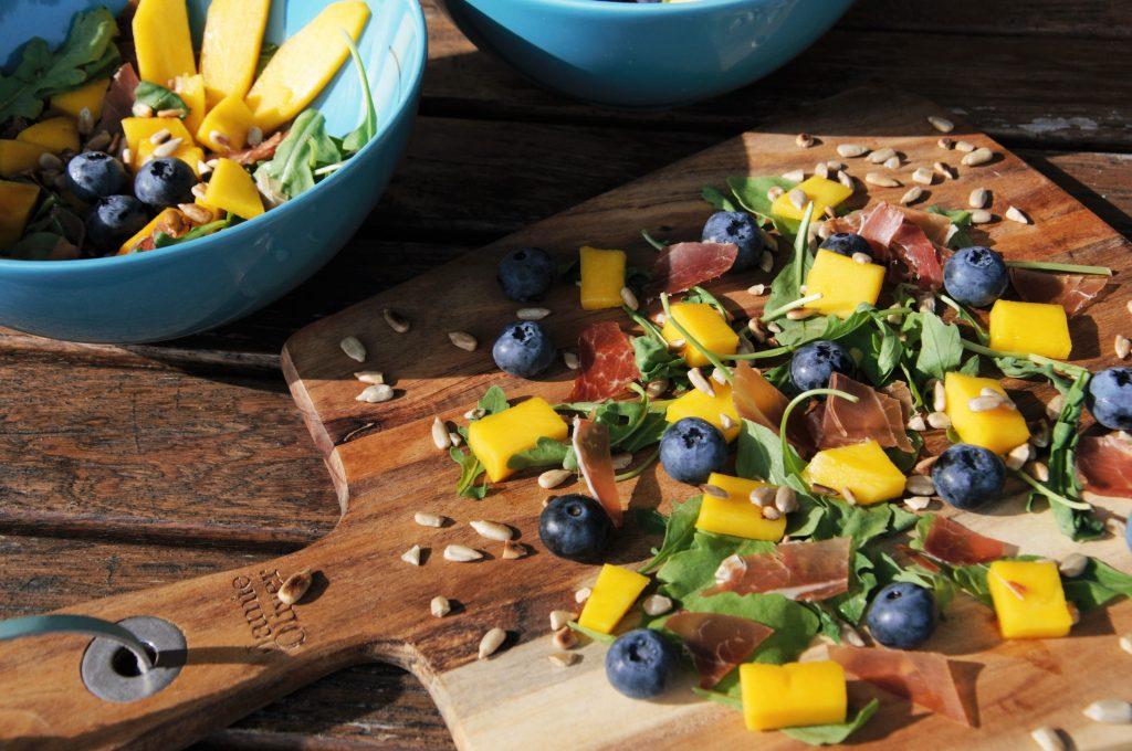 salatka z mango w 5 minut na wakacjach