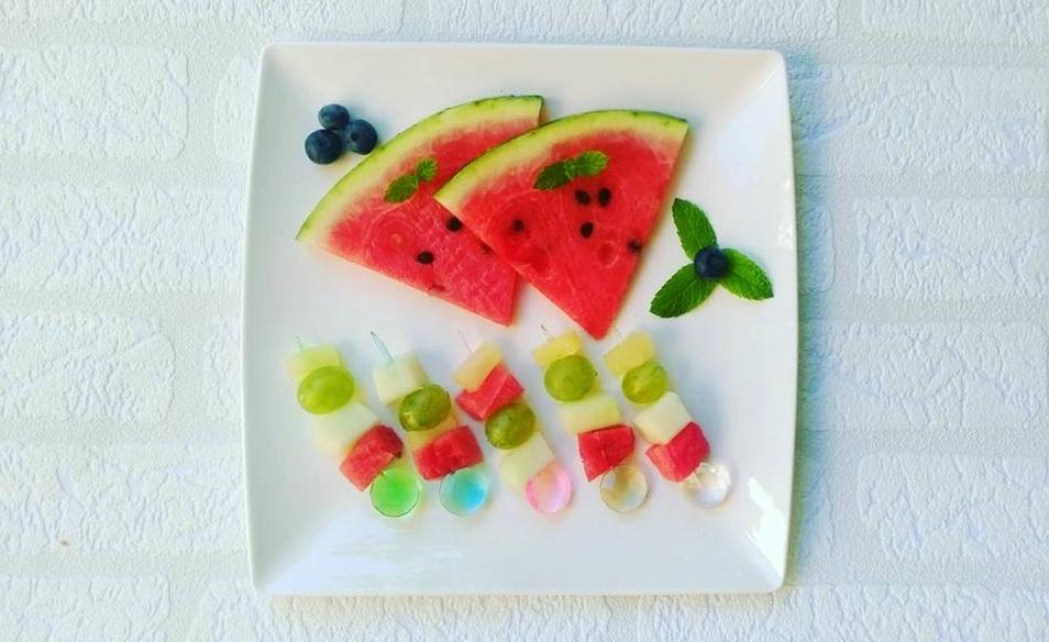 Owocowe szaszłyki zarbuzem