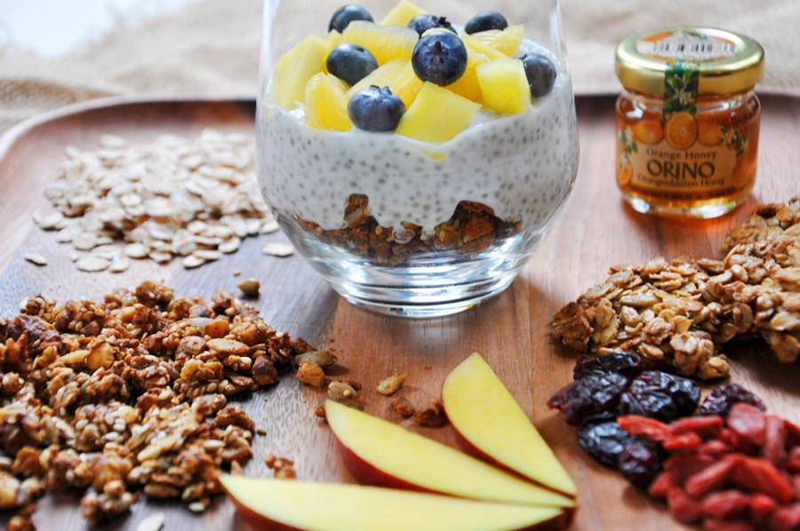 domowa granola z suszonymi owocami i chia