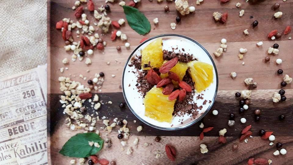 granola czekoladowa zowocami